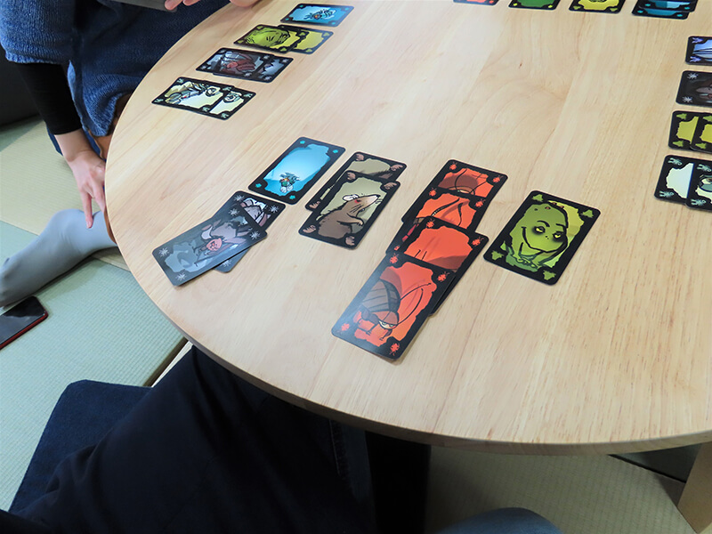 4枚揃ったゴキブリのカード