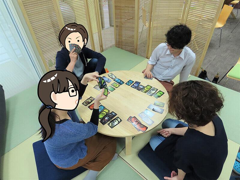 ゲームを続けるA君、Tさん、Mさん