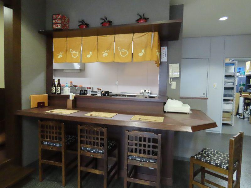ダスキンの研修センターにある居酒屋さんのカウンターを再現した研修施設